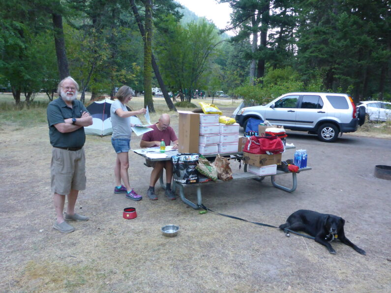Final prep for the start of the blue mountain trail